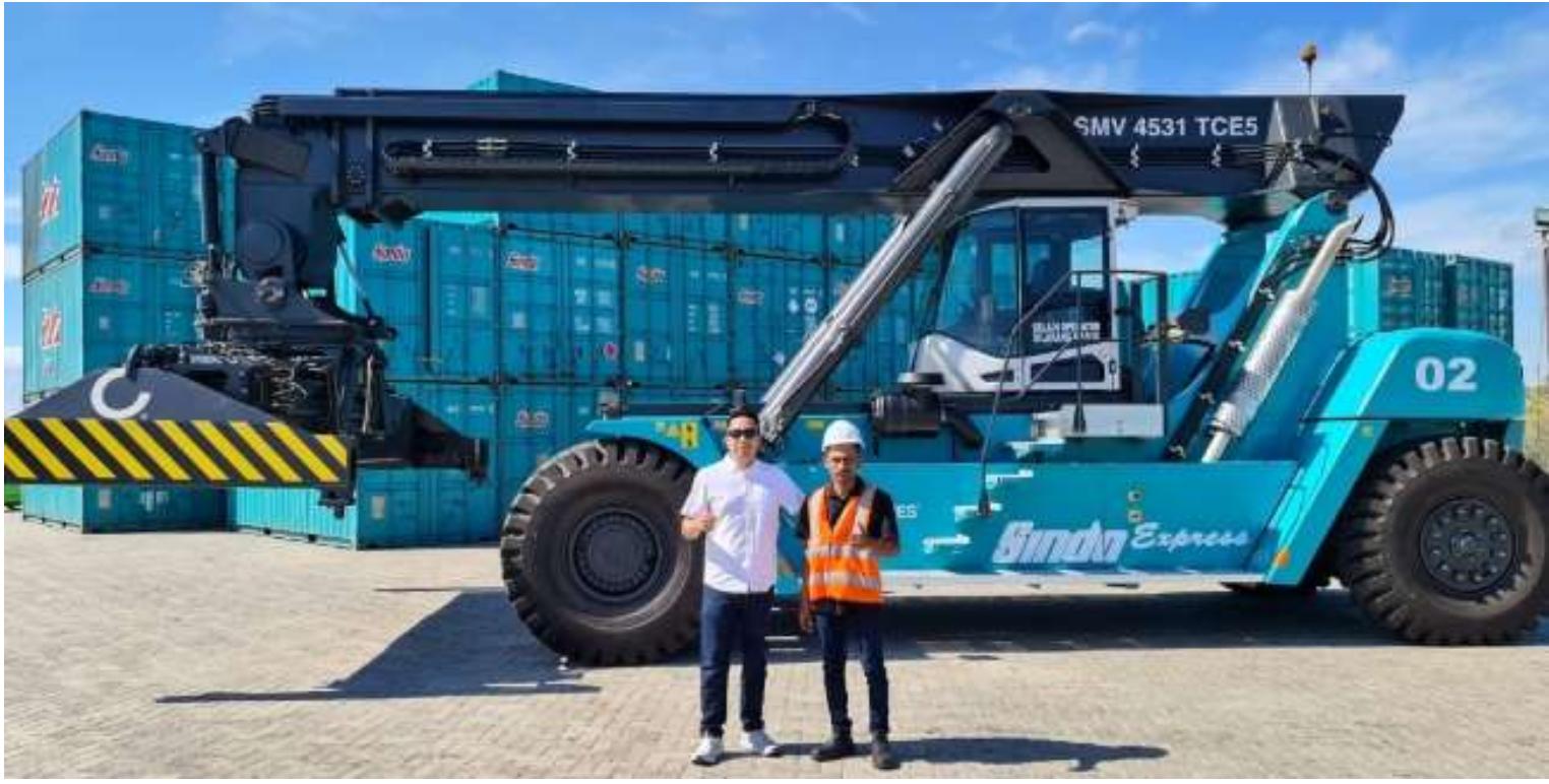 Sindo Express Datangkan Alat Angkut Container